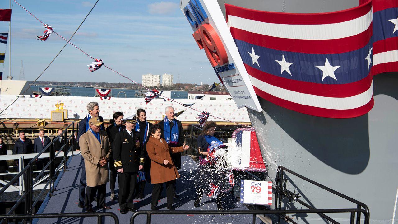 Uroczystość, z udziałem ponad 20 tys. uczestników, miała miejsce w Newport News, w stanie Virginia (fot. U.S. Navy/Mass Communication Specialist 3rd Class Samuel Lee Pederson/Handout via REUTERS)