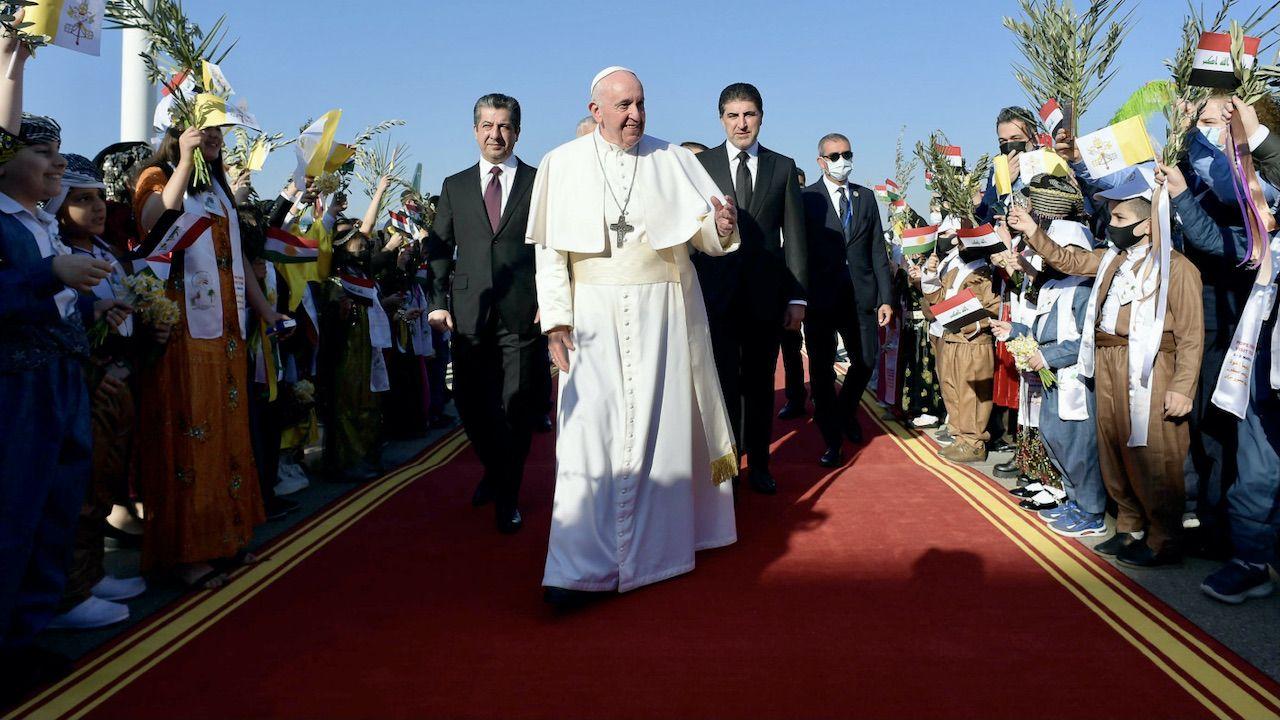 Wizyta Franciszka w Karakosz to gest wsparcia dla mieszkańców (fot. PAP/EPA/VATICAN MEDIA)