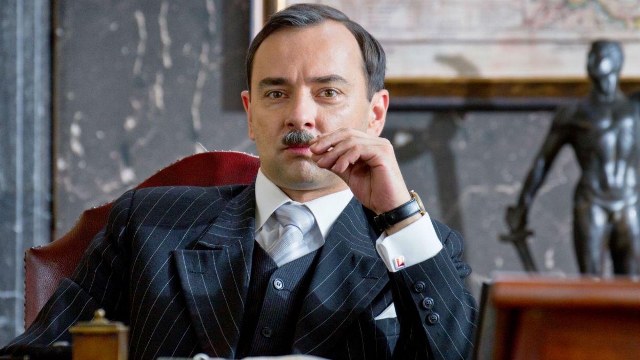 Mariusz Ostrowski zagrał premiera Eugeniusza Kwiatkowskiego, pomysłodawcę budowy portu w Gdyni (fot. Mirosława Łukaszek)