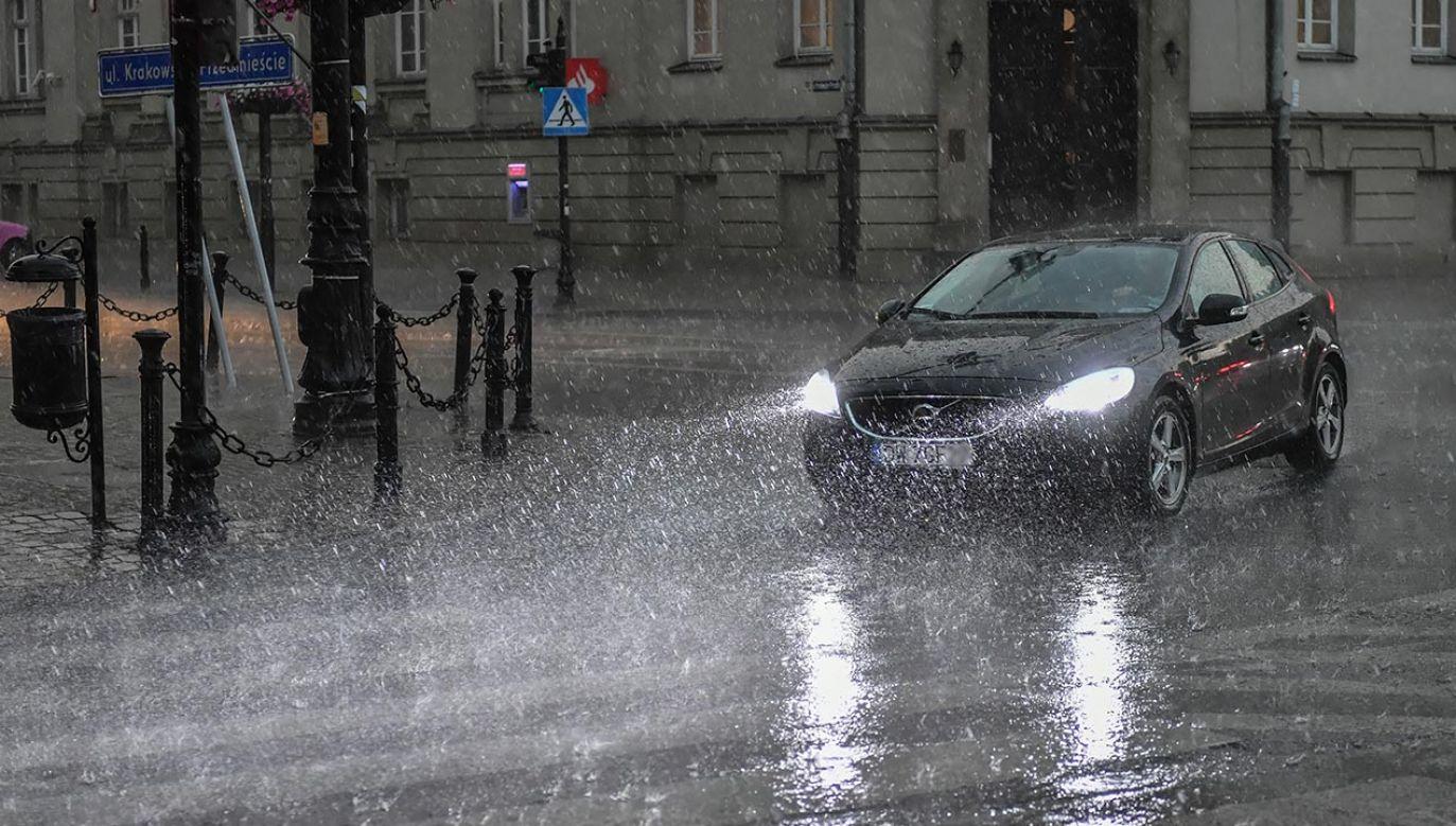 Nad Polska przechodzą burze z gradem (fot. PAP/Wojtek Jargiło)
