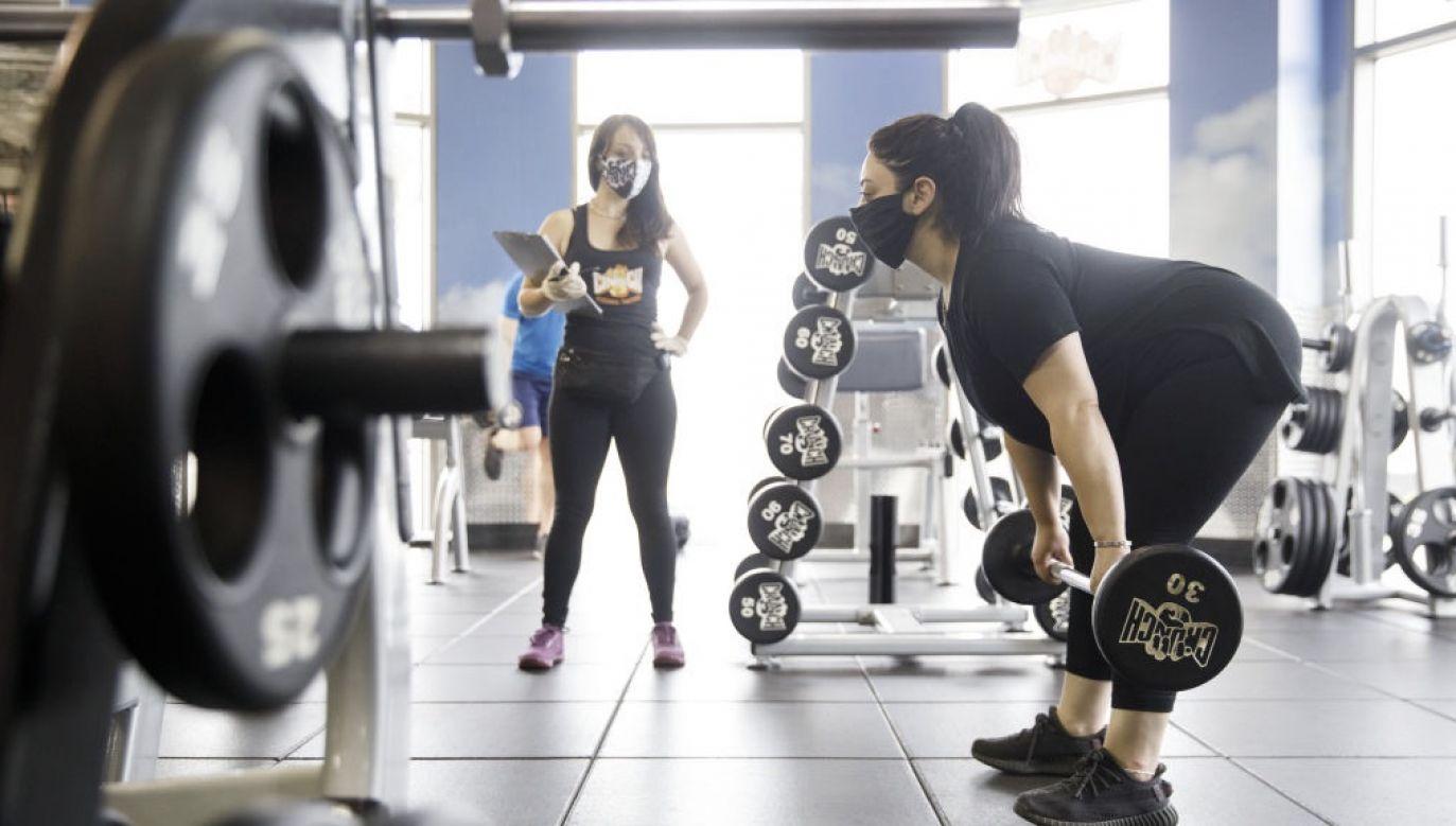 O pomoc rządu w sobotę apelowali m.in. protestujący przedstawiciele branży fitness (fot. Patrick T. Fallon/Bloomberg via Getty Images)