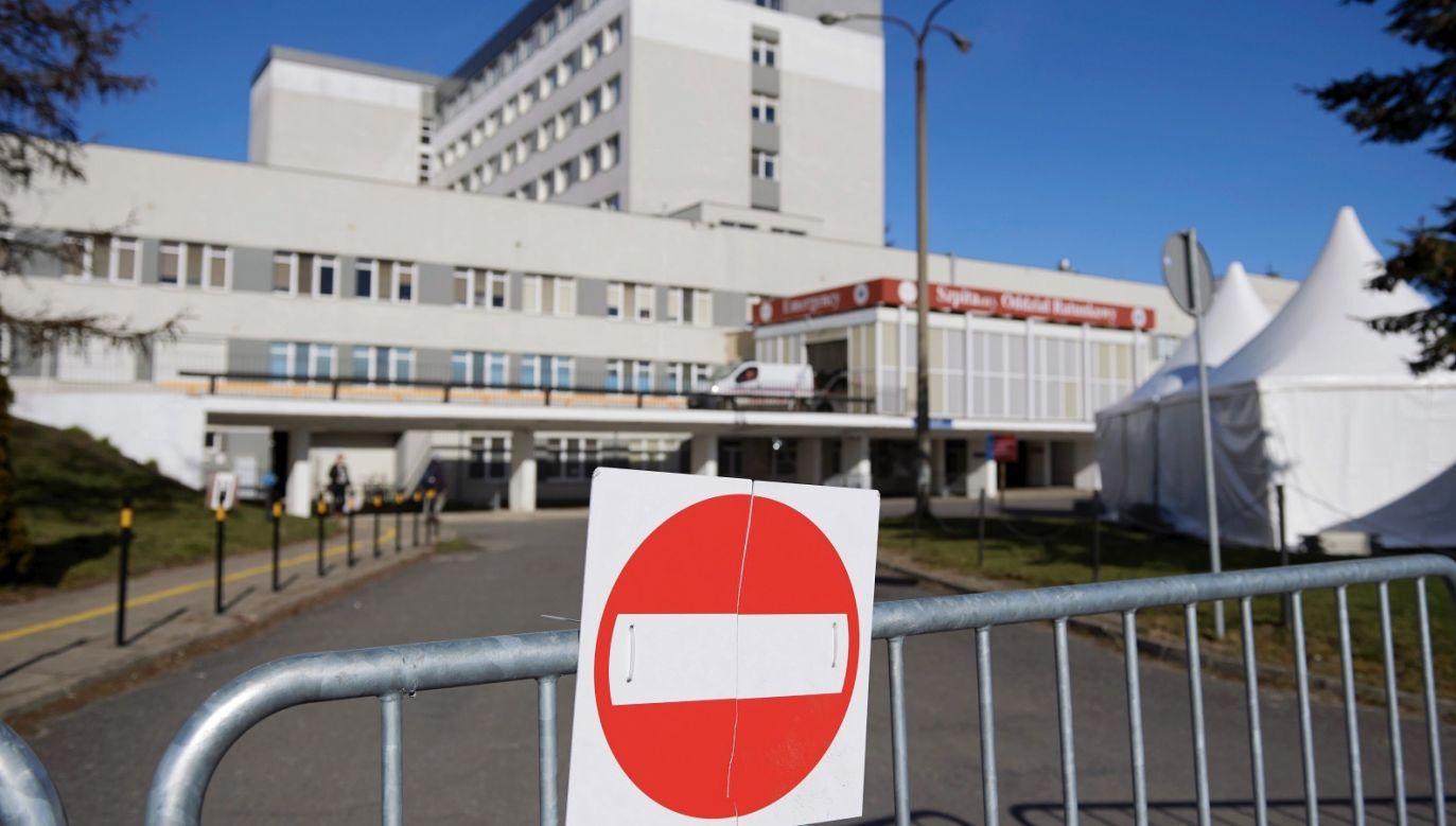 Świat zmaga się z epidemią koronawirusa (fot. PAP/Adam Warżawa)