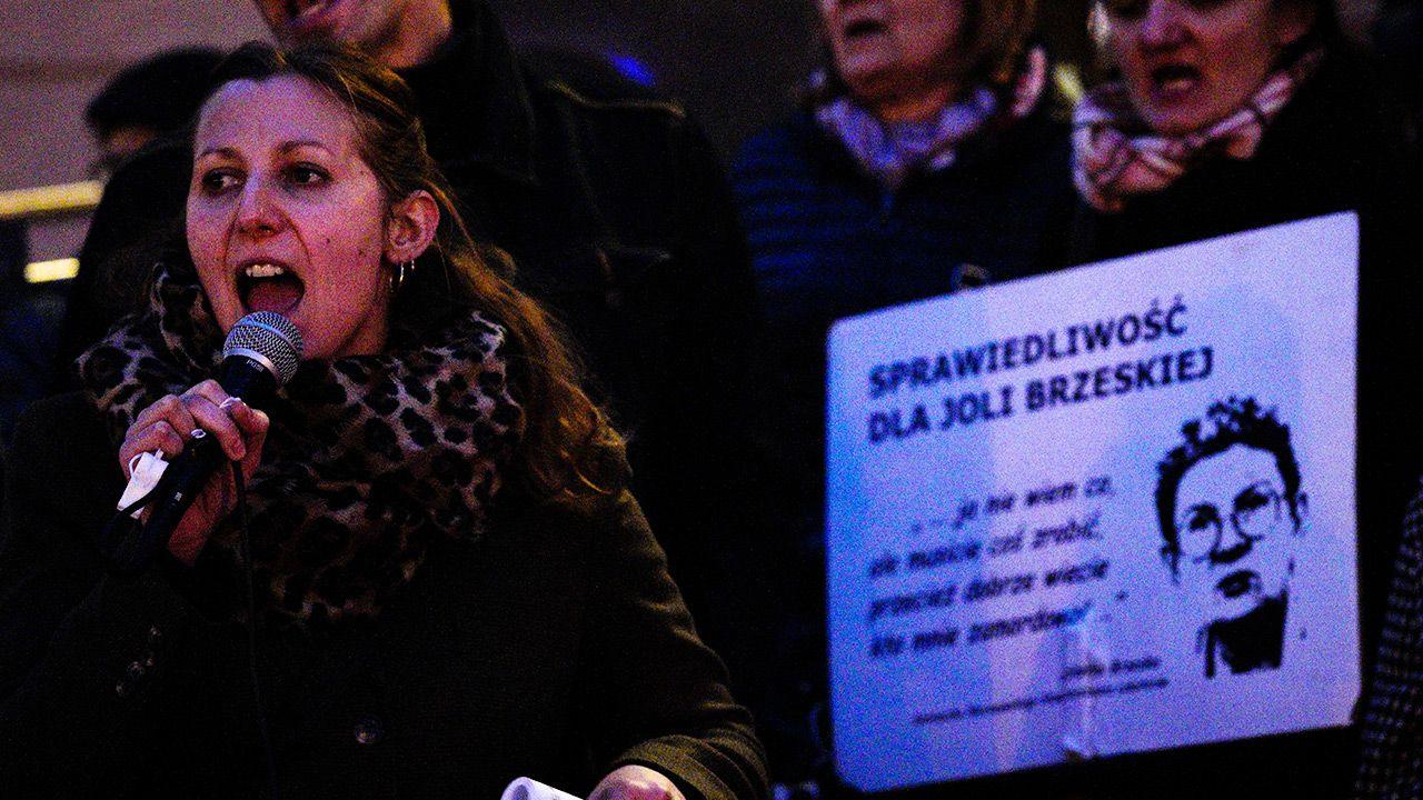 Protest z udziałem zwolenników Śp. Jolanty Brzeskiej, działaczki lokatorskiej z Warszawy (fot. Jaap Arriens/NurPhoto via Getty Images)