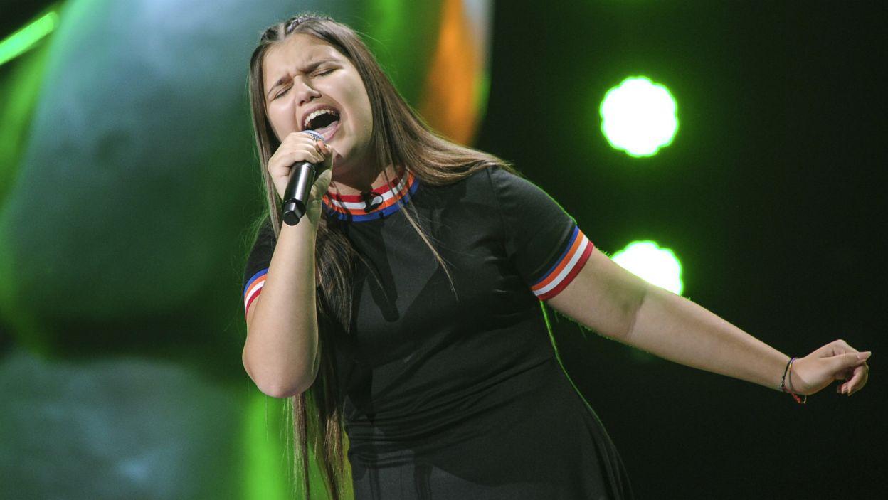 """Prawdziwego czadu na scenie """"The Voice Kids"""" dała Wiktoria (fot. TVP)"""