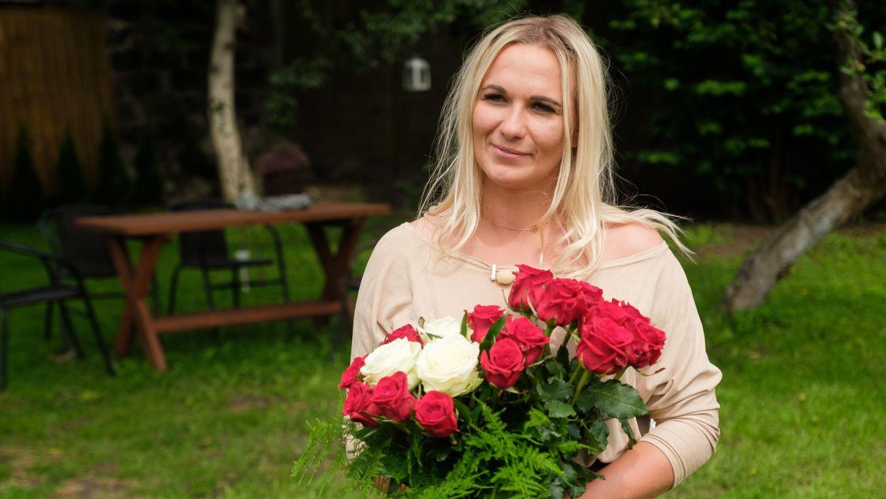 Kwiaty na pożegnanie tylko trochę osłodziły zawód (fot. TVP)