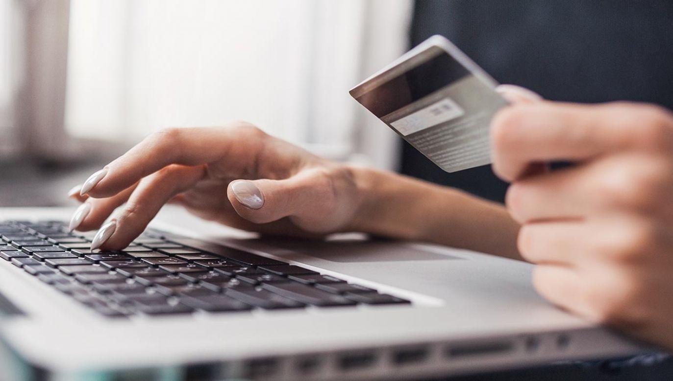 W najbliższy weekend niektóre banki będą przeprowadzać prace serwisowe (fot. Shutterstock/Kite_rin)