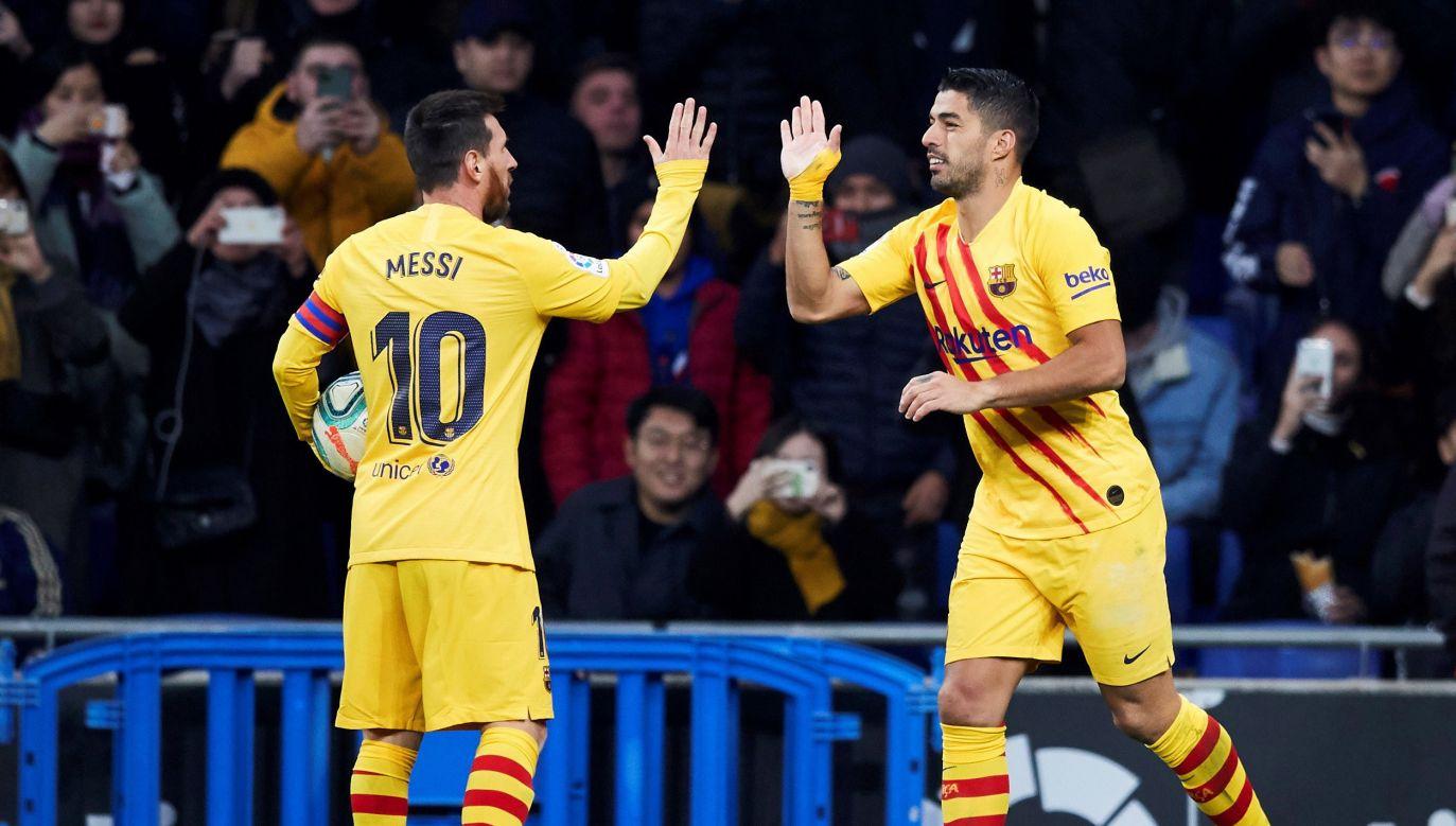 Najlepszym strzelcem Barcelony w tym sezonie jest Lionel Messi, który z trzynastoma bramkami o dwa trafienia wyprzedza Luisa Suareza (fot. PAP/EPA/Alejandro Garcia)