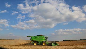 Dotąd swobodnie można było kupić do 30 arów ziemi, teraz – do hektara (fot. Pexels)