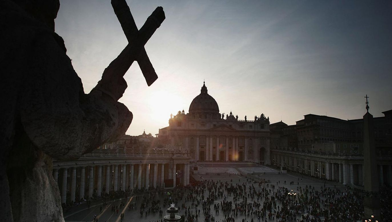 W aplikacji można znaleźć m.in. najnowsze informacje z Watykanu (fot. Christopher Furlong/Getty Images)