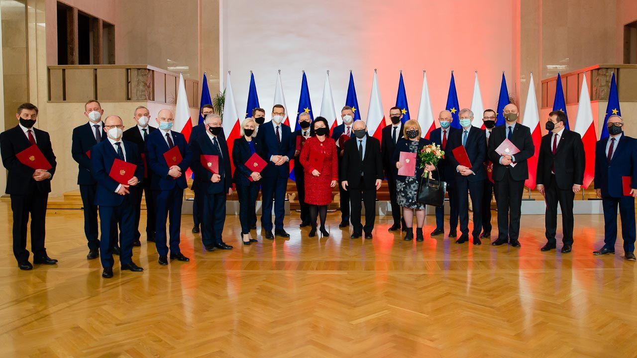 Premier Mateusz Morawiecki podczas konferencji prasowej (fot. Kancelaria Premiera)