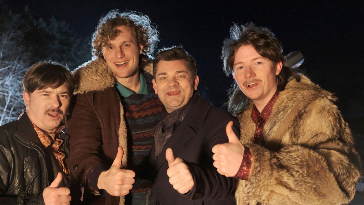 Zenek Martyniuk odwiedził aktorów na planie filmu (fot. TVP)