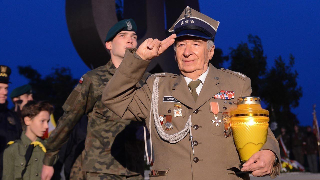 Jerzy Grzelak regularnie uczestniczył w obchodach rocznicy Powstania Warszawskiego (fot. PAP/Jakub Kamiński)