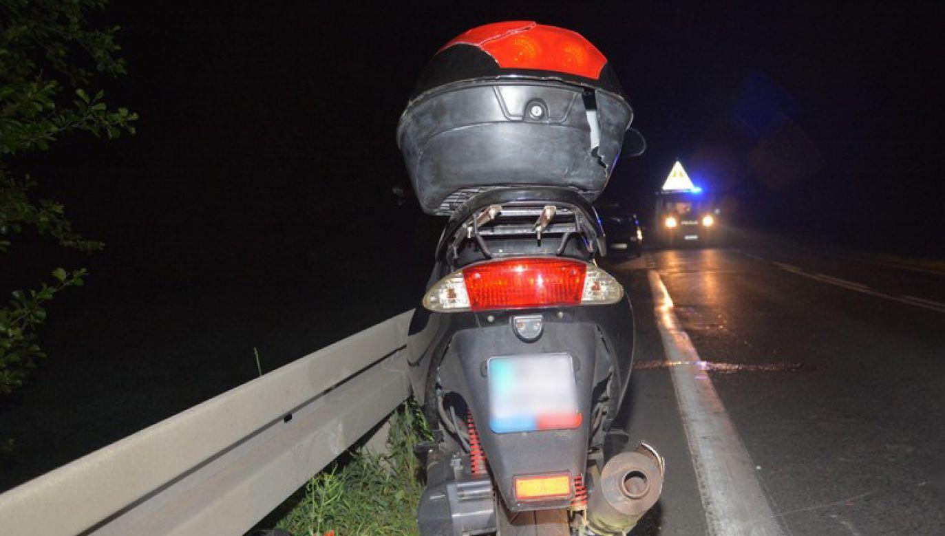 Do wypadku doszło na drodze krajowej nr 28 w kierunku Jasła (fot. Policja Podkarpacka)