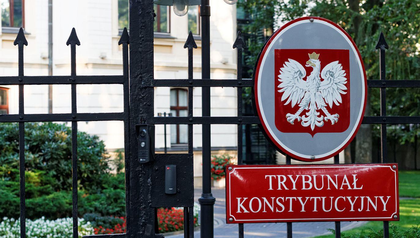 Zdaniem premiera SN naruszył konstytucyjną prerogatywę prezydenta do powoływania sędziów na wniosek KRS. (fot. Shutterstock/MOZCO Mateusz Szymanski)