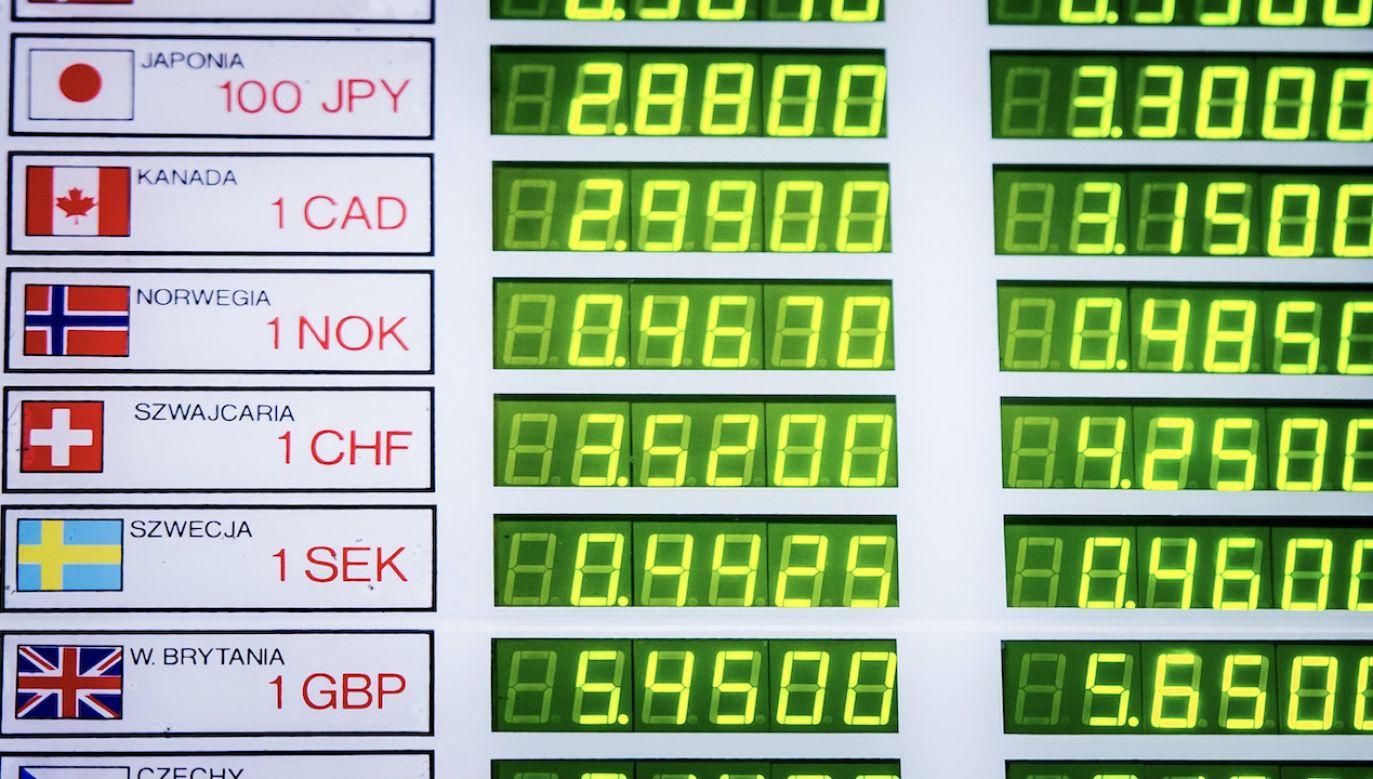 Średnie notowania walut NBP z 18 maja (fot. arch.PAP/G.Michałowski)