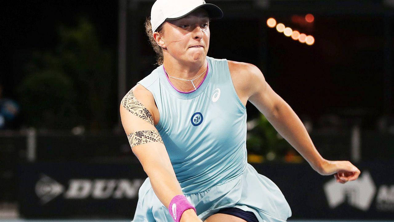 W czwartek o półfinał Iga zagra z Danielle Collins (fot. PAP/EPA/MATT TURNER)