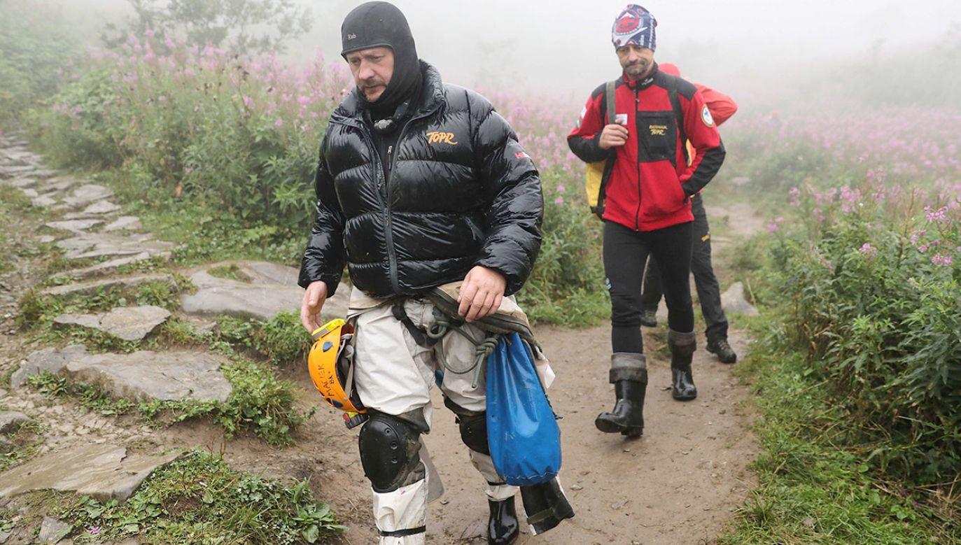 Akcja w jaskini nie jest już traktowana jako sprawa pilna (fot. PAP/Grzegorz Momot)