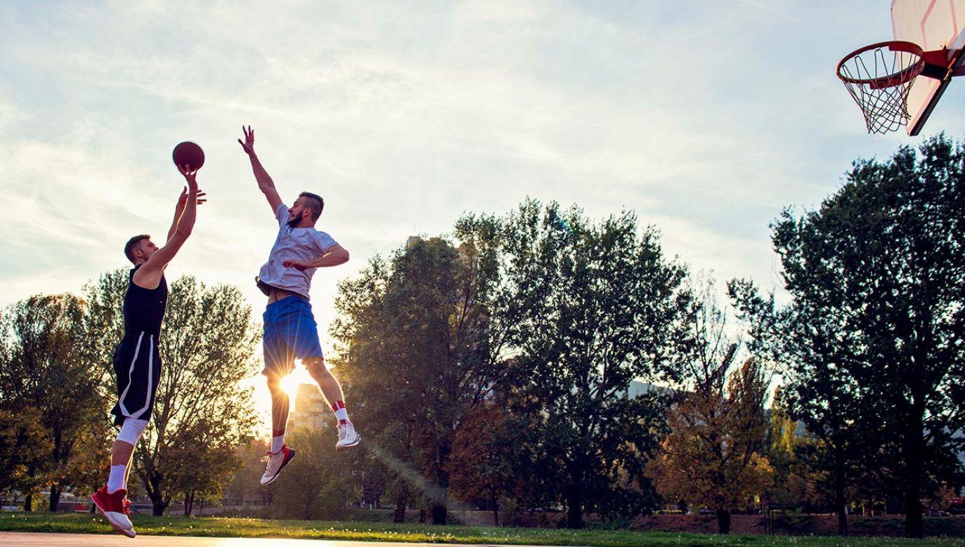 Rząd zdecydował o przywróceniu możliwości uprawiania sportu na świeżym powietrzu (fot. Shutterstock/FS Stock)