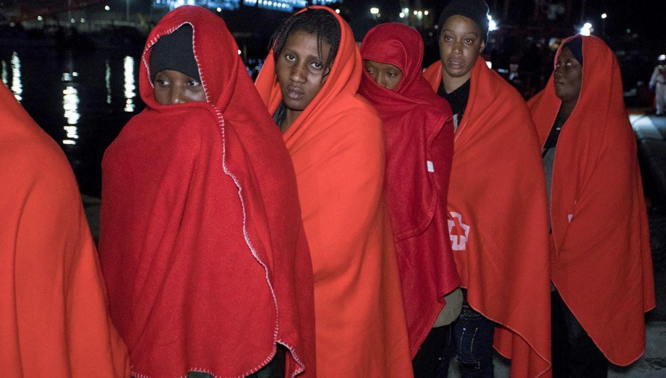 Gambijczycy chcieli dostać się do Europy (fot. PAP/EPA/MIGUEL PAQUET)