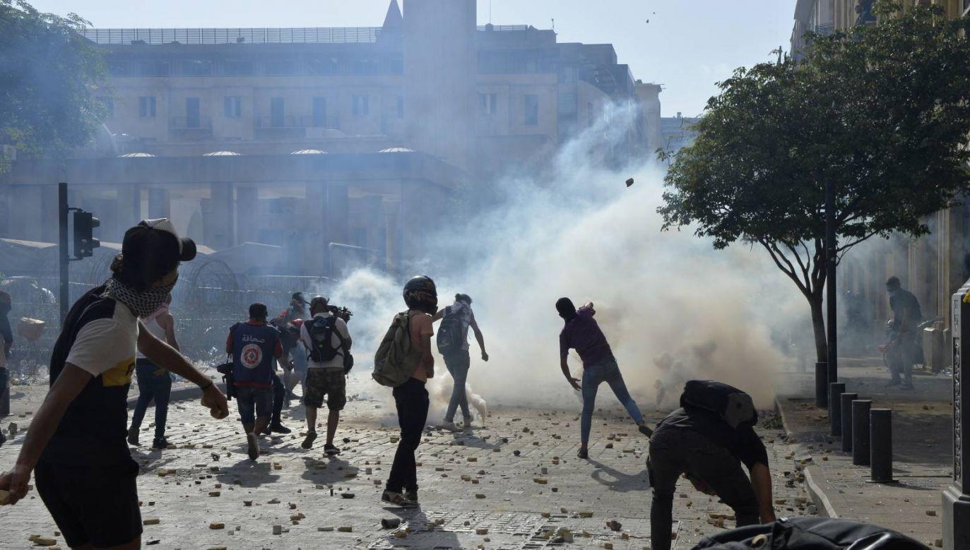 Poszkodowanych w wyniku starć na demonstracjach zostało 110 osób (fot. PAP/EPA/WAEL HAMZEH)
