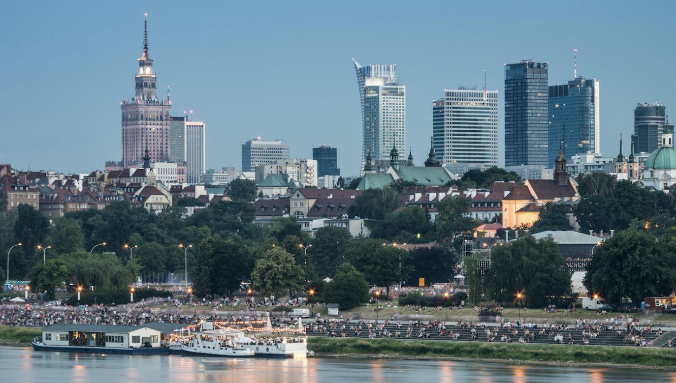 Najwięcej pieniędzy wpłynęło w ub.r. na konto burmistrza Wilanowa (fot. Shutterstock/Tomasz Mazon)