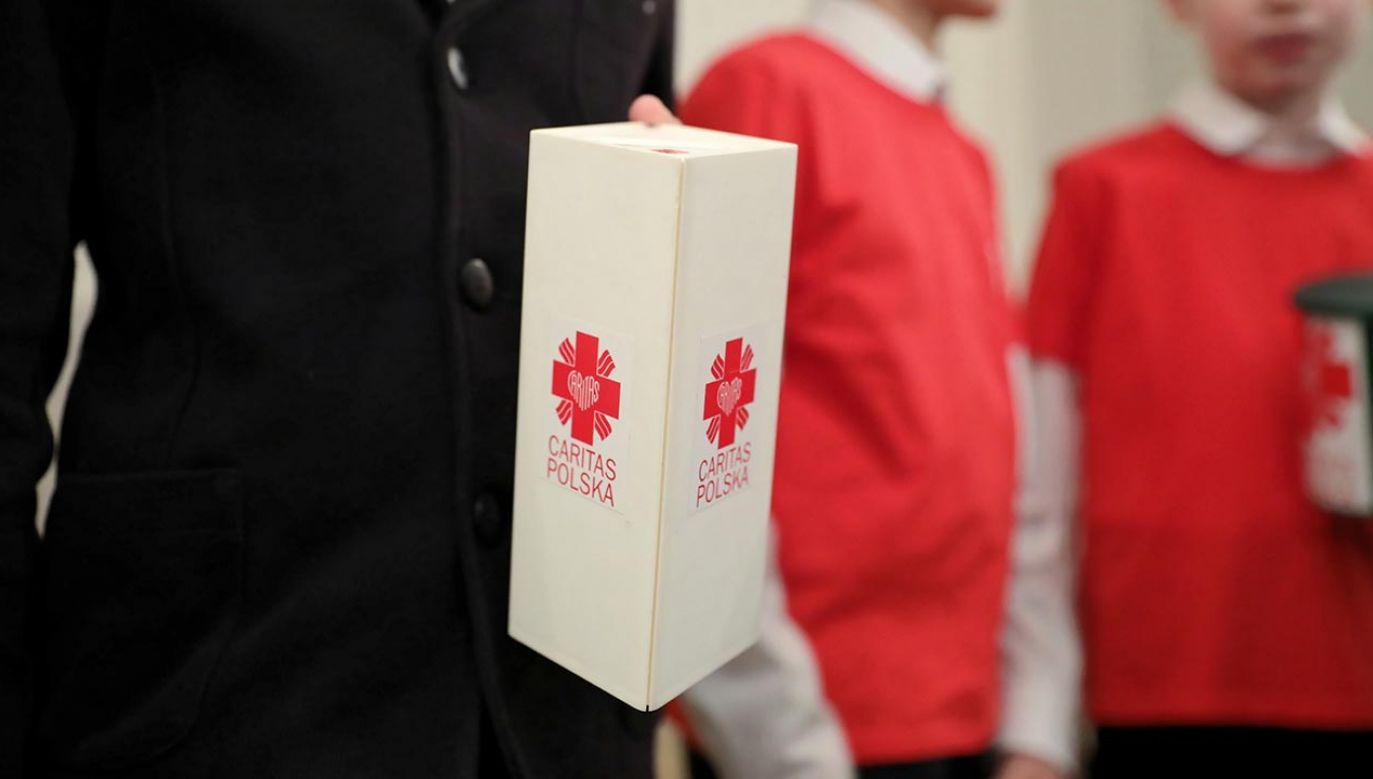 Caritas Polska planuje z zebranych środków zakup respiratorów i najbardziej potrzebnego wyposażenia dla polskich szpitali (fot. PAP/Leszek Szymański)