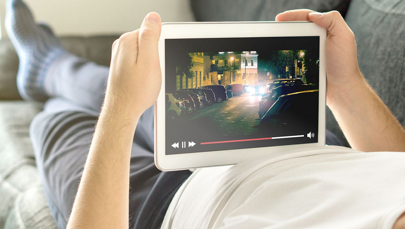 Internetowa widownia zauważalnie wzrosła pod koniec ubiegłej dekady (fot. Shutterstock/Tero Vesalainen)