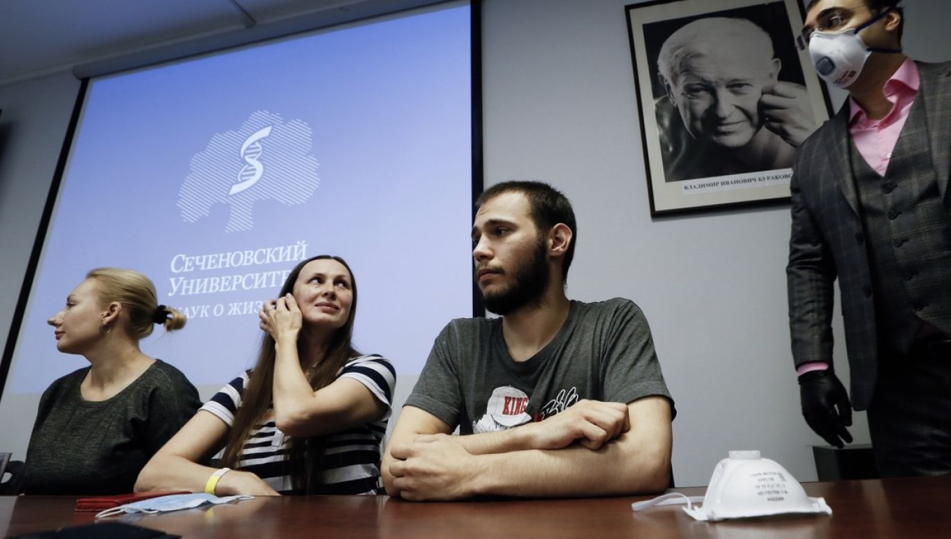 Rosyjska szczepionka nosi nazwę Sputnik V (fot. PAP/EPA/YURI KOCHETKOV)