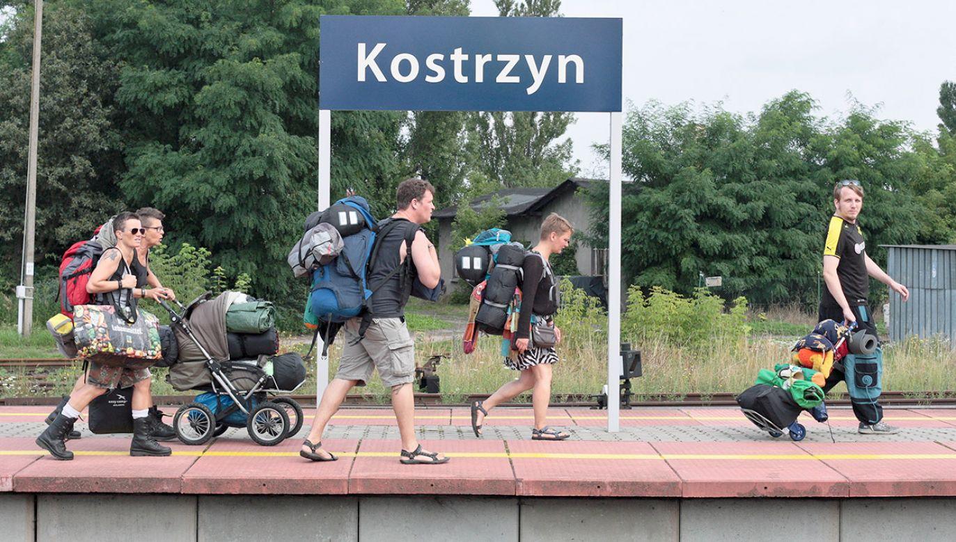 W ubiegłym tygodniu PKP poinformowało, że nie będzie specjalnych pociągów, które co rok jeździły na festiwal Pol'and'Rock organizowany przez WOŚP  (fot. arch.PAP/Lech Muszyński)