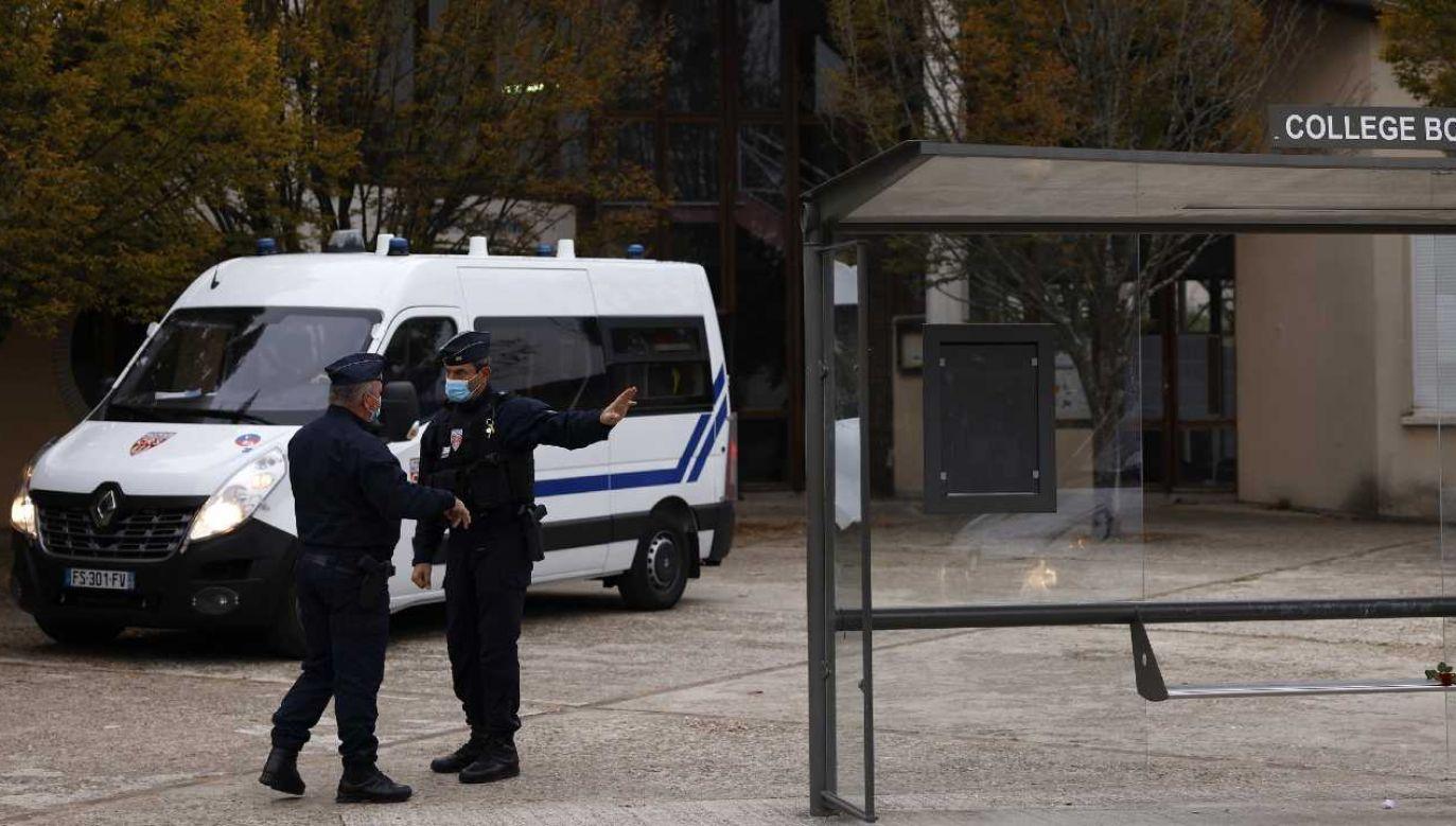 Walka z islamskim ekstremizmem jest jednym z zadań francuskiej policji (fot. PAP/EPA/YOAN VALAT)