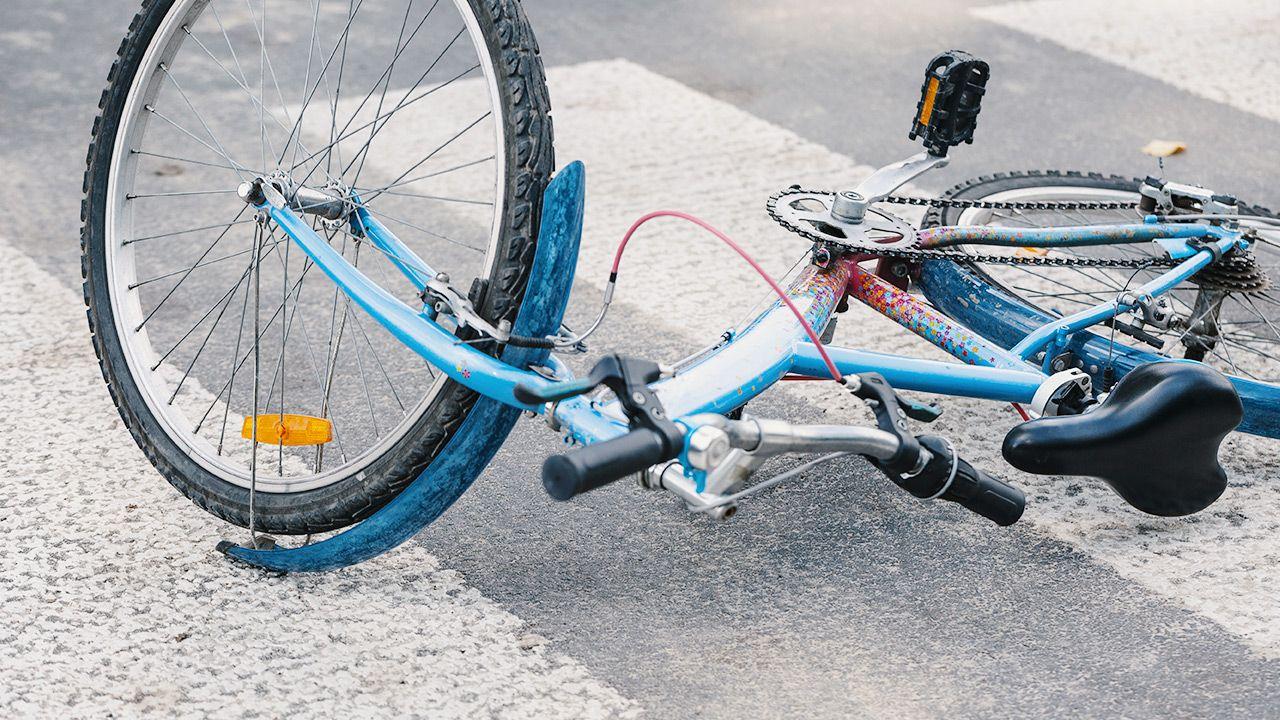Do potrącenia doszło na przejeździe rowerowym w Legionowie (fot. Shutterstock; zdjęcie ilustracyjne)