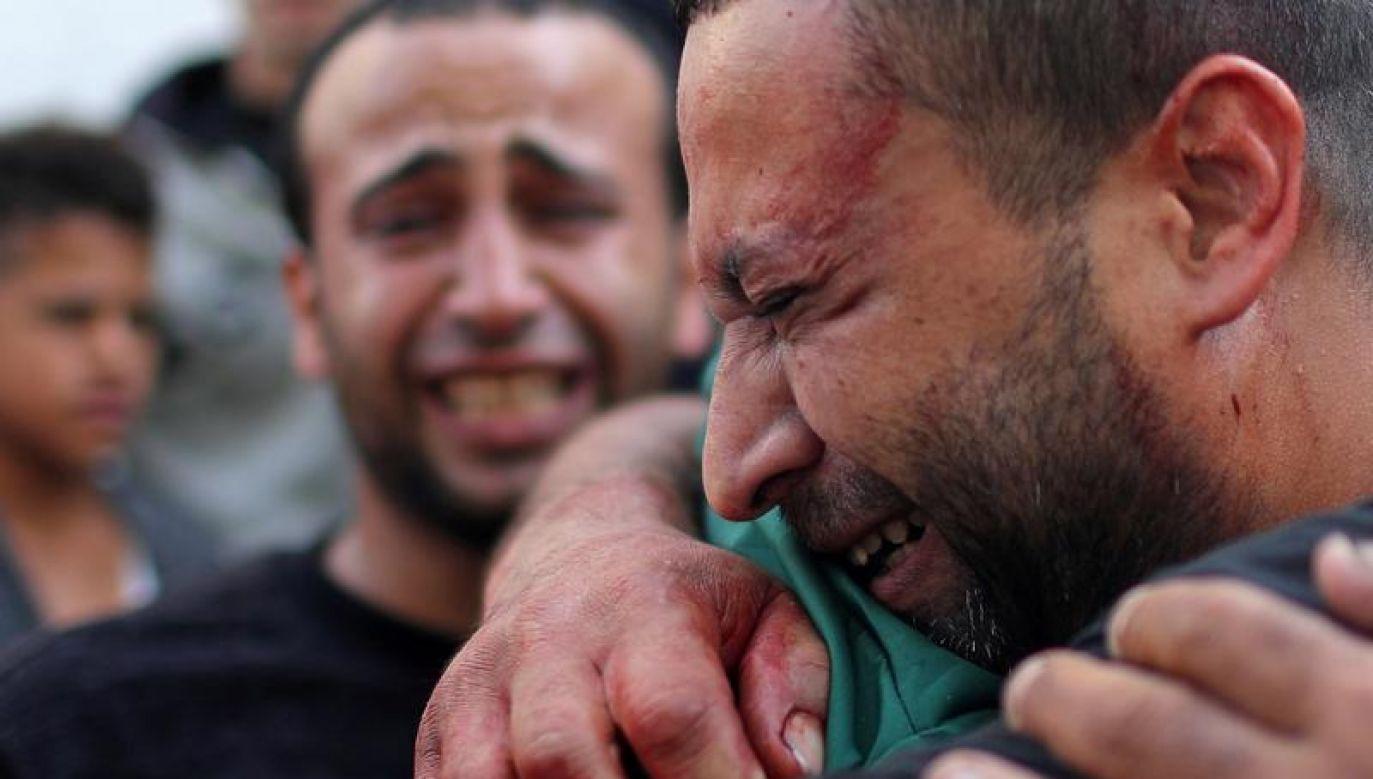 Wśród ofiar śmiertelnych jest co najmniej troje dzieci. (fot. REUTERS/Mohammed Salem)