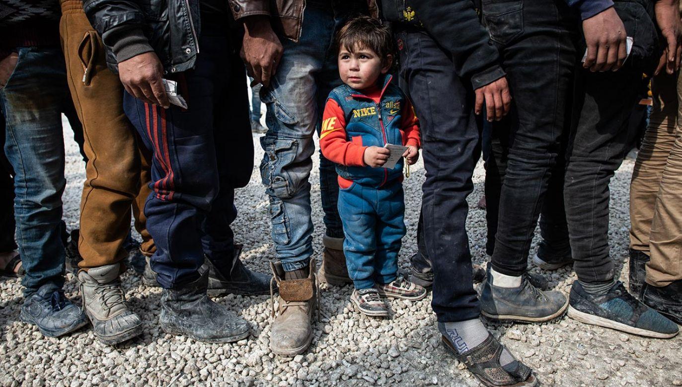 Dania odbiera pozwolenia na pobyt uchodźcom  (fot. Burak Kara/Getty Images)
