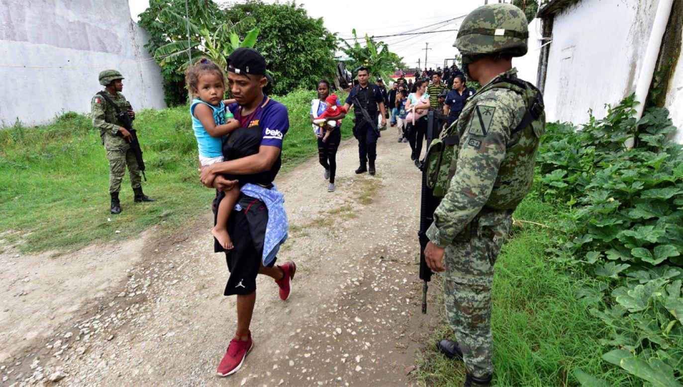 Decyzja z Białego Domu ma zmusić kraje Ameryki Środkowej do skuteczniejszej walki z nielegalną migracją (fot. PAP/EPA/Jaime Avalos)