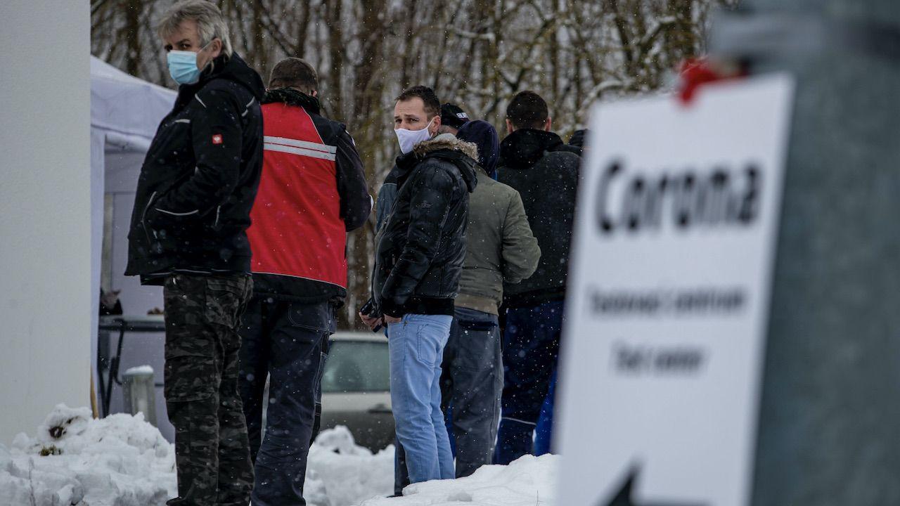 Czym będą różniły się takie testy? (fot. PAP/EPA/MARTIN DIVISEK)