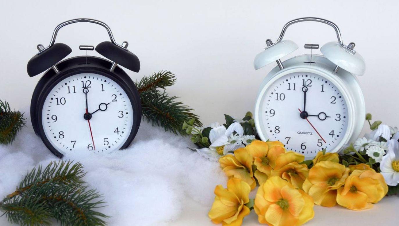 W niedzielę  wskazówki zegarów przesuniemy z godz. 2.00 na 3.00 (fot. Pixabay/annca)