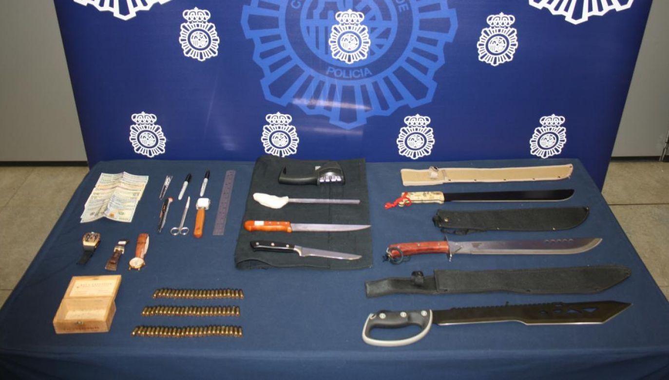 Ekwipunek domniemanych terrorystów, zatrzymanych w Hiszpanii (fot. Policia Nacional)