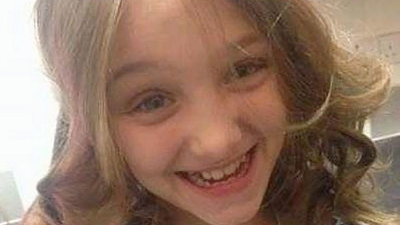 """Chwilę przed śmiercią dziewczynka wrzuciła do sieci zdjęcie swojej stopy z napisem """"RIP"""" (fot. Archiwum)"""