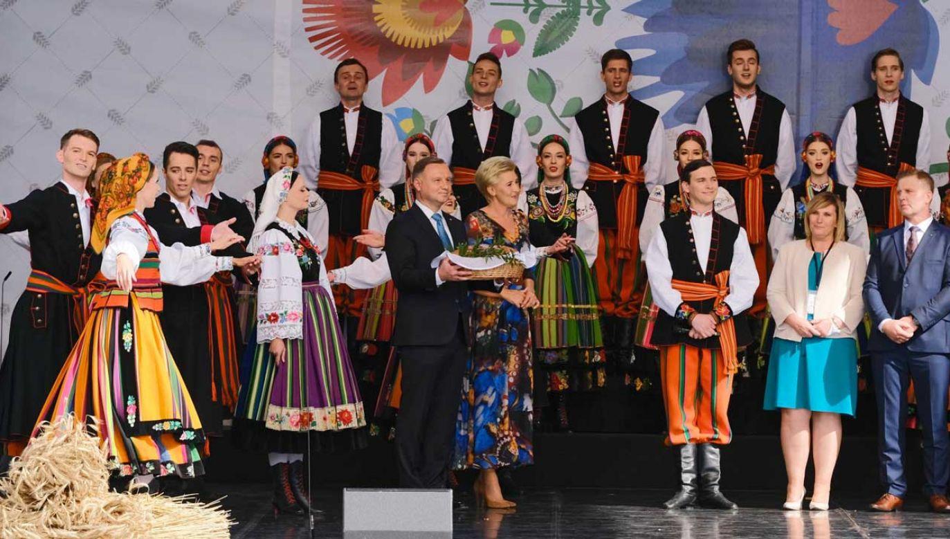 W eucharystii odbywającej się w kościele seminaryjnym w Warszawie uczestniczył prezydent Andrzej Duda wraz z małżonką Agatą Kornhauser-Dudą (fot. PAP/Mateusz Marek)