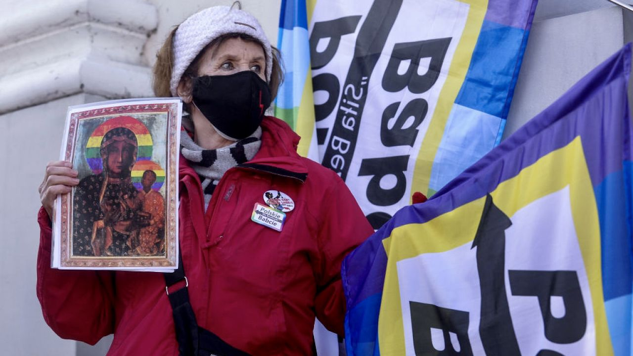 B. żołnierze AK wezwali aktywistów LGBT do zaprzestania szydzenia z symboli katolickich i narodowych (fot. Omar Marques/Getty Images)
