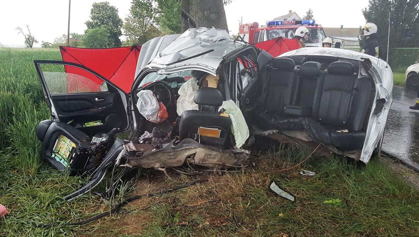 Nie udało się uratować ojca i dziecka, mimo prób reanimacji (fot. Facebook/OSP KSRG Janowiec Wielkopolski)