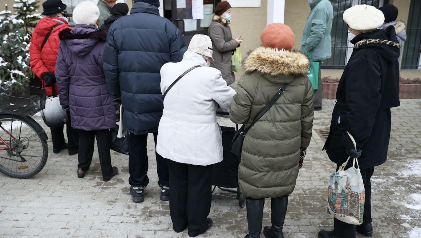 Rząd szacuje, że 14. emeryturę otrzyma ok. 9,1 mln osób (fot. PAP/L.Szymański)