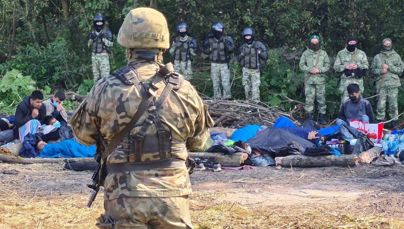 Kryzys migracyjny wywołany przez Białoruś jest elementem wojny hybrydowej (fot.  Irina Polina\TASS via Getty Images)
