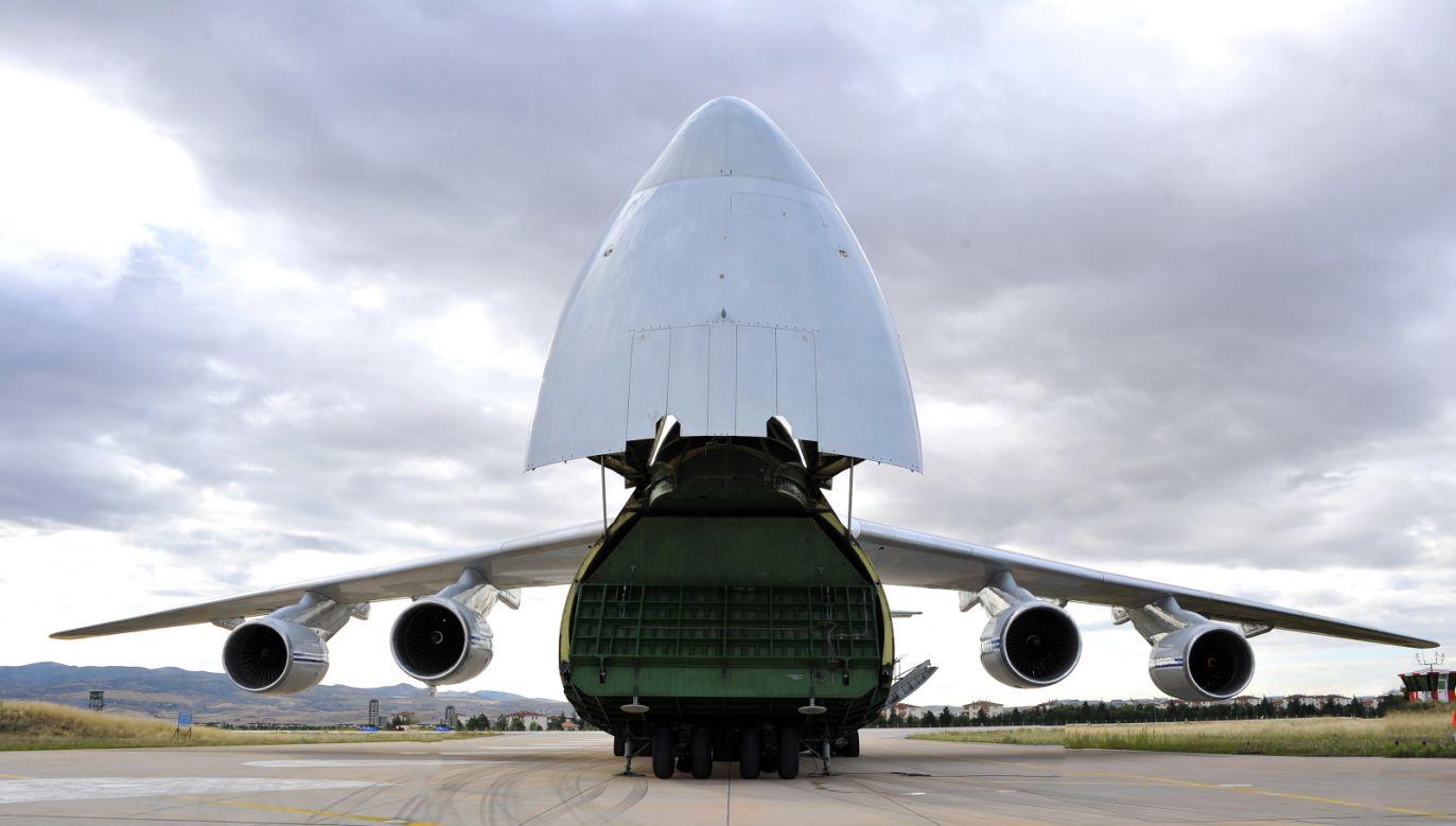 Turcja kupiła rosyjski rakietowy system obrony powietrznej S-400, mimo ostrzeżeń USA (fot. PAP/EPA/TURKISH DEFENCE MINISTRY HANDOUT)