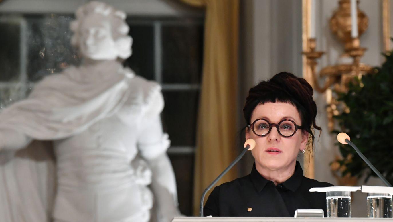 Olga Tokarczuk wygłosiła wykład w Sali Giełdy Akademii Szwedzkiej w Sztokholmie (fot. PAP/EPA/Jonas Ekstroemer)