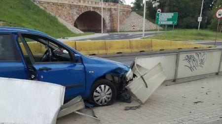 Oświadczył, że usnął w trakcie jazdy, a wódki napił się dopiero po zdarzeniu (fot. Straż Miejska)