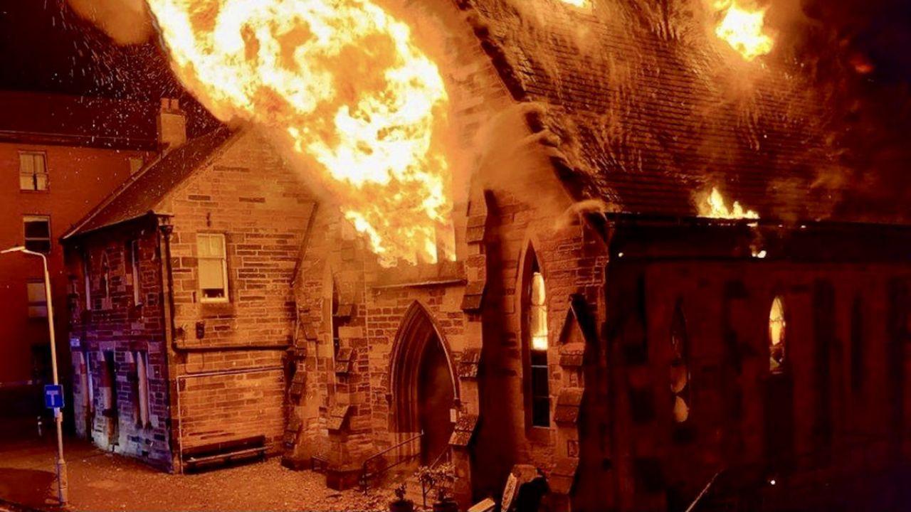 Pożar kościoła w Glasgow (fot. tt/@BOYGEEKDRONE)