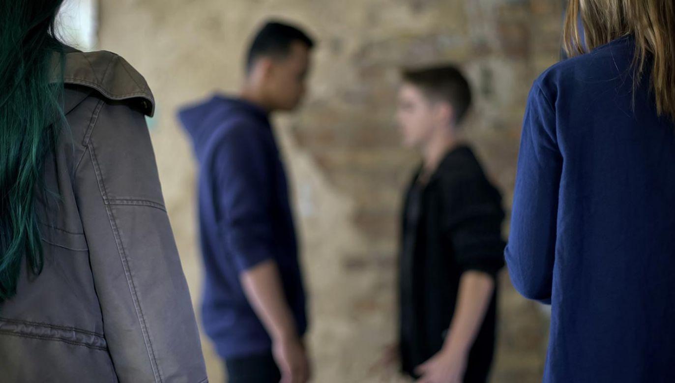 Uczniowie nagrali bulwersujące zachowanie chłopca (fot. Shutterstock/Motortion Films)