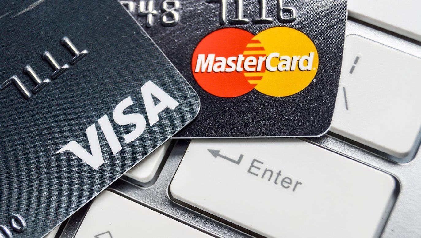 Oznacza to, że klienci rosyjskich banków nie będą mogli korzystać w innych krajach ze swoich kart (fot. Shutterstock/wk1003mike)