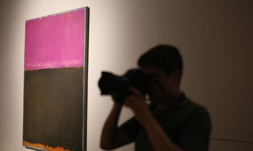 """W 2013 roku  wystawę """"Mark Rothko. Obrazy z National Gallery of Art w Waszyngtonie"""" można było podziwiać w Muzeum Narodowym w Warszawie. Fot. PAP/ Leszek Szymański"""